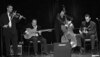 Gipsy Swing Trio & Wattie Rosenberg - Swingology